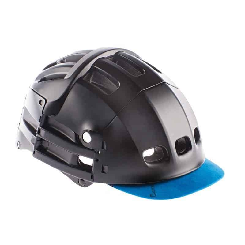 Overade Plixi in black with blue visor