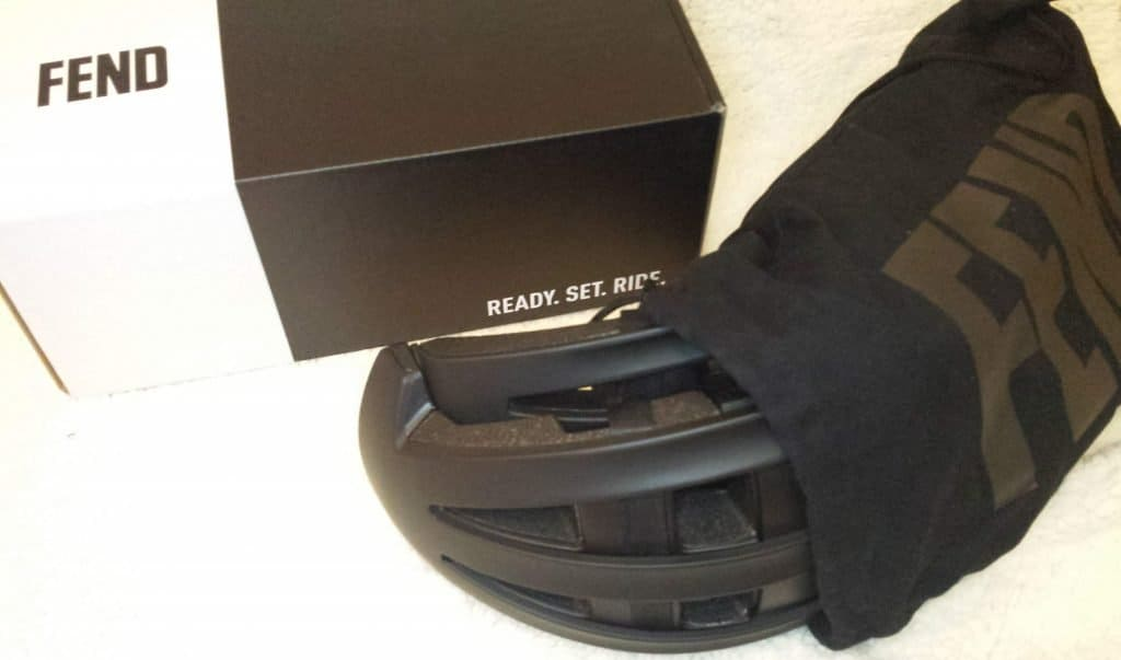 Fend in black with helmet bag and box
