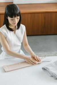 Marie Kondo folding shirt